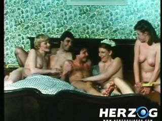 Порно видео дамы в чулках