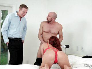 смотреть порно друзья напоили жену