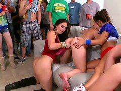 порно трахнули на вечеринке