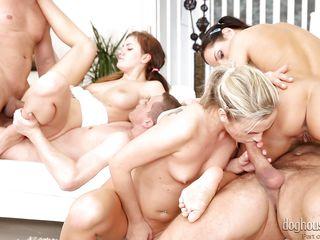 Порно шлюхи групповуха